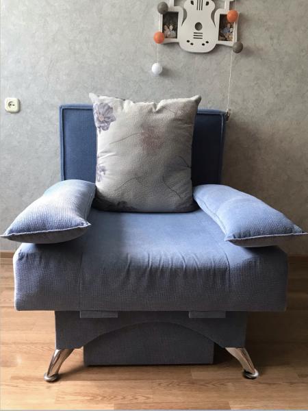 Кресло-кровать Ширина и длина: 90 см, длина в разобранном состоянии: 180 см.