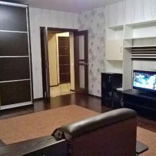 однокомнатную квартиру на длительный срок В центре