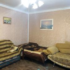 двухкомнатную квартиру на длительный срок Ильичева