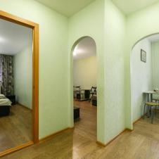 двухкомнатную квартиру на длительный срок Центр