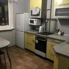 однокомнатную квартиру на длительный срок Приокский микрорайон, 16
