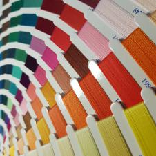 Нитки и коконы швейные (10-120, 250-10000 м) Большая гамма цветов, высокое качество