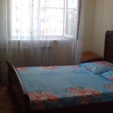 однокомнатную квартиру на длительный срок Ливны