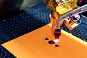 Лазерная резка прокладок индустриальных